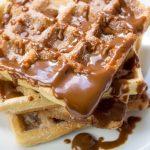 Waffle Churros com Doce de Leite e Canela