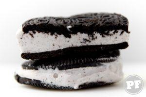 PraComer: Sorvete Oreo Sanduíche de Cookie e Cone