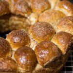 Pão Doce de Canela Americano (Monkey Bread)